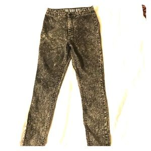 Black distressed high rise jeggings
